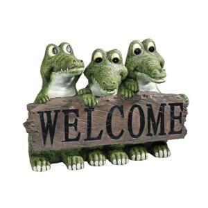 Design Toscano 11.5 in. W x 7.5 in. D x 8 in. H Ragin Cajun Crocodile Welcome Sign Statue DISCONTINUED EU10544