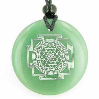 Sri Yantra Chakra Talisman Quartz Green Aventurine Magic Gemstone Circle Good Luck Powers Pendant Necklace: Best Amulets: Jewelry