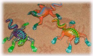 Oaxacan Wood Carving   Coiled Tail Iguana/Lizard : Carving Sets : Everything Else