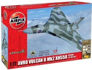 Airfix A50097 Avro Vulcan XH558 Vulcan to The Sky 172 Scale Military Aircraft Gift Set (Including Paint Glue And Brushes) Toys & Games