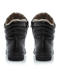 Pied a Terre Faux fur lined quilted sport shoes Black Leather