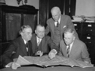 1937 photo Study plans for new Capitol auditorium. Washington, D.C., April 30 c8